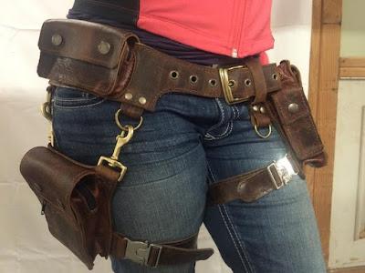BOUDICCA pocket belt with detachable leg holster