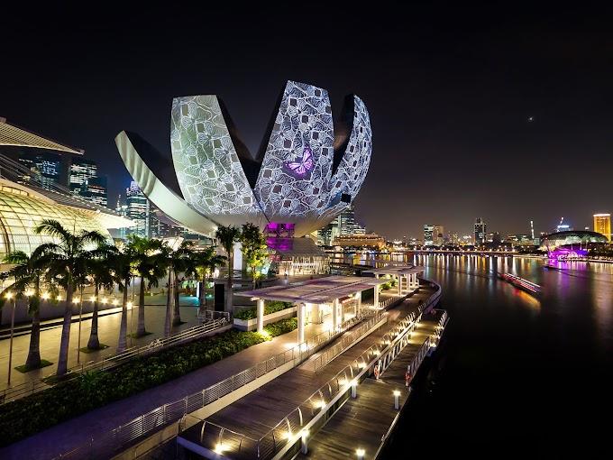 ArtScience Museum In The Marina Bay Singapore