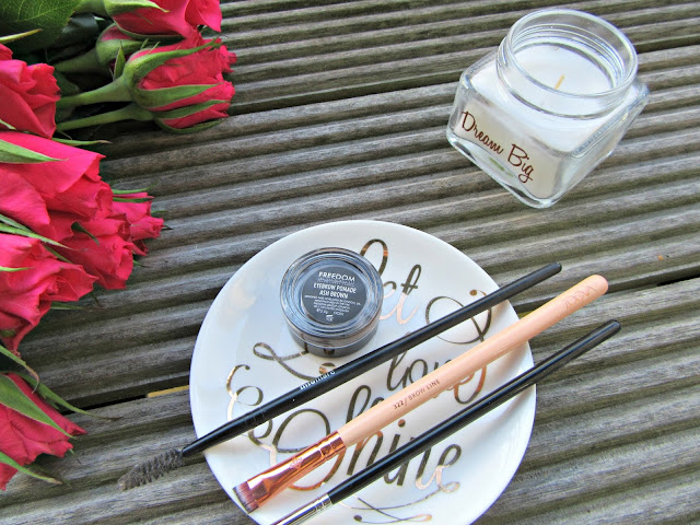Freedom Brow Pomade Zoeva brow line brush Blank Canvas E38 Spoolie