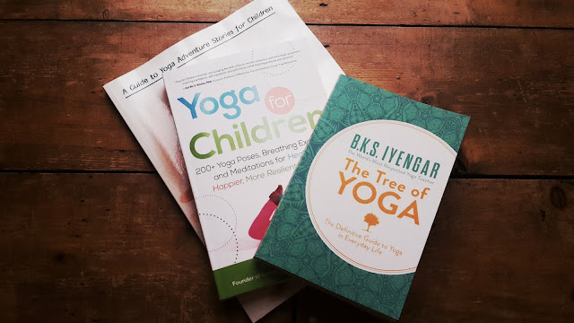 Project 366 2016 day 262 - Yoga books // 76sunflowers