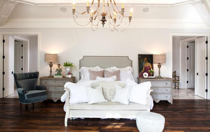 Wyszukana elegancja, wystrój wnętrz, wnętrza, urządzanie domu, dekoracje wnętrz, aranżacja wnętrz, inspiracje wnętrz,interior design , dom i wnętrze, aranżacja mieszkania, modne wnętrza,styl klasyczny, klasyczne wnętrza, eleganckie wnętrza, sypialnia