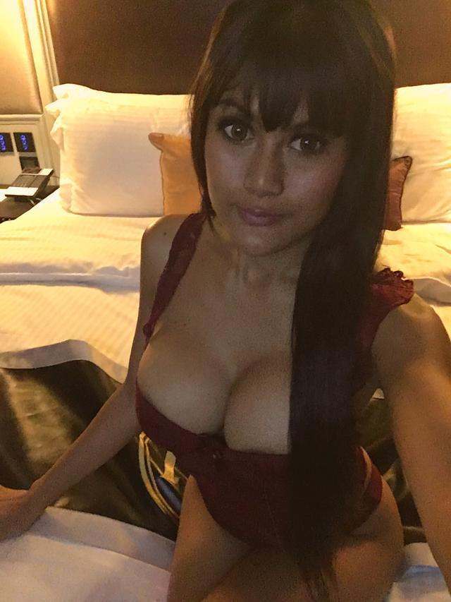 Book Bedroom and Stay with our Dwarka Escorts Girls