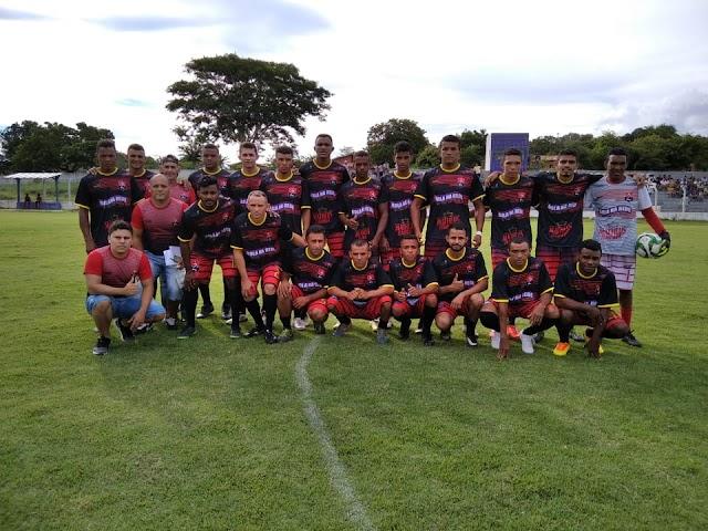 BRAÇO CRUEL: Atacante marca três vezes e comanda Flamengo em vitória por 4 a 1 sobre o Villa Real.