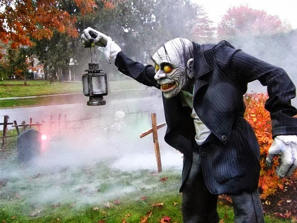 Decorations For A Fun Outside: The Domestic Curator: FUN OUTDOOR HALLOWEEN DECOR