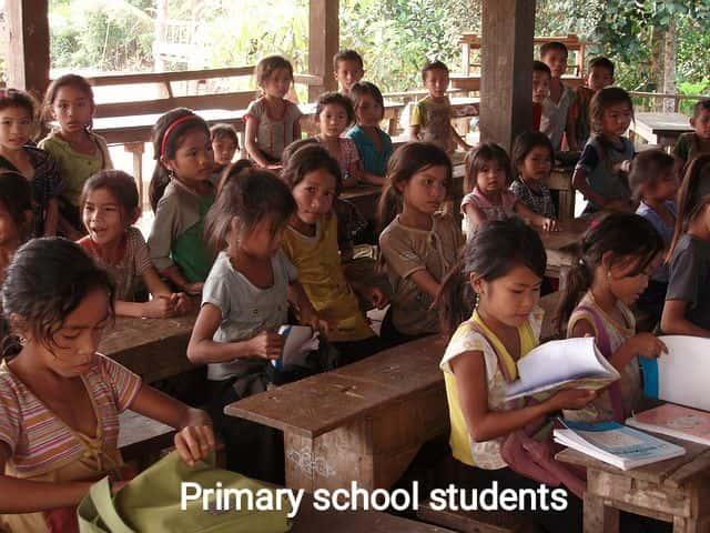 शिक्षकों ने प्राथमिक स्कूल की सरकारी किताबें कबाड़ी को बेची updatemart