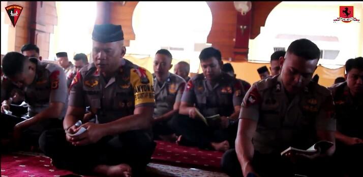 Video Doa Bersama Yon C Pelopor Sat Brimob Polda Sulsel Dipimpin Danyon