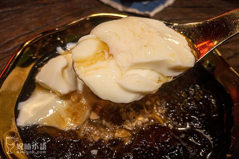 【台北大安美食】白水豆花(永康店)。宜蘭特產花生麥芽糖巧變香菜豆花
