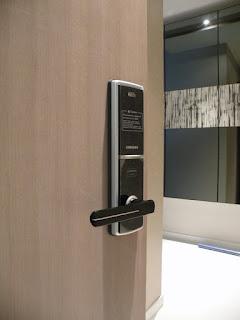 Khóa cửa điện tử hiện đại,tiện dụng với độ bảo mật cao