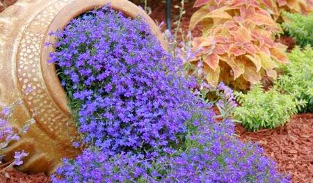 Anfore giardino come arredarlo con stile for Giardino fiori
