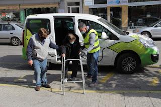 Μεταφορά δημοτών με προβλήματα μετακίνησης στα κέντρα εμβολιασμού από το Δήμο Περιστερίου