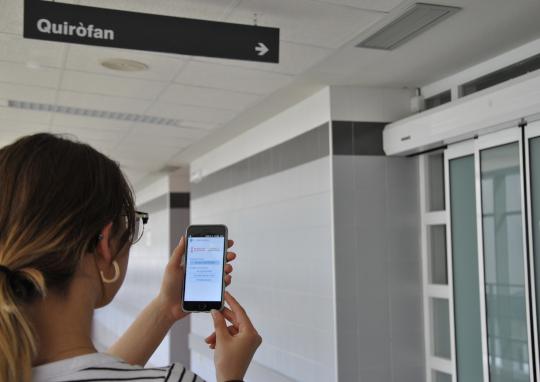 El Hospital de la Plana utiliza una aplicación móvil para realizar el seguimiento quirúrgico de los pacientes intervenidos