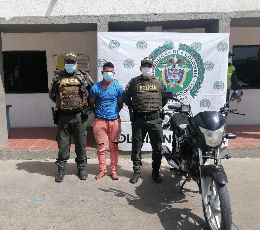https://www.notasrosas.com/Dos capturados por Hurto y uno más , por Tráfico de Estupefacientes, en Maicao