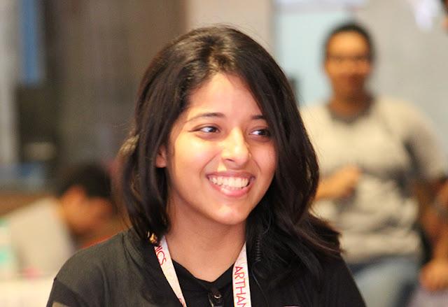 कैसे इस लड़की ने 18 साल की उम्र में इंटर्नशिप से बचत किया हुआ रूपये से शुरुआत की, 8 करोड़ रुपये के बिज़नेस ।