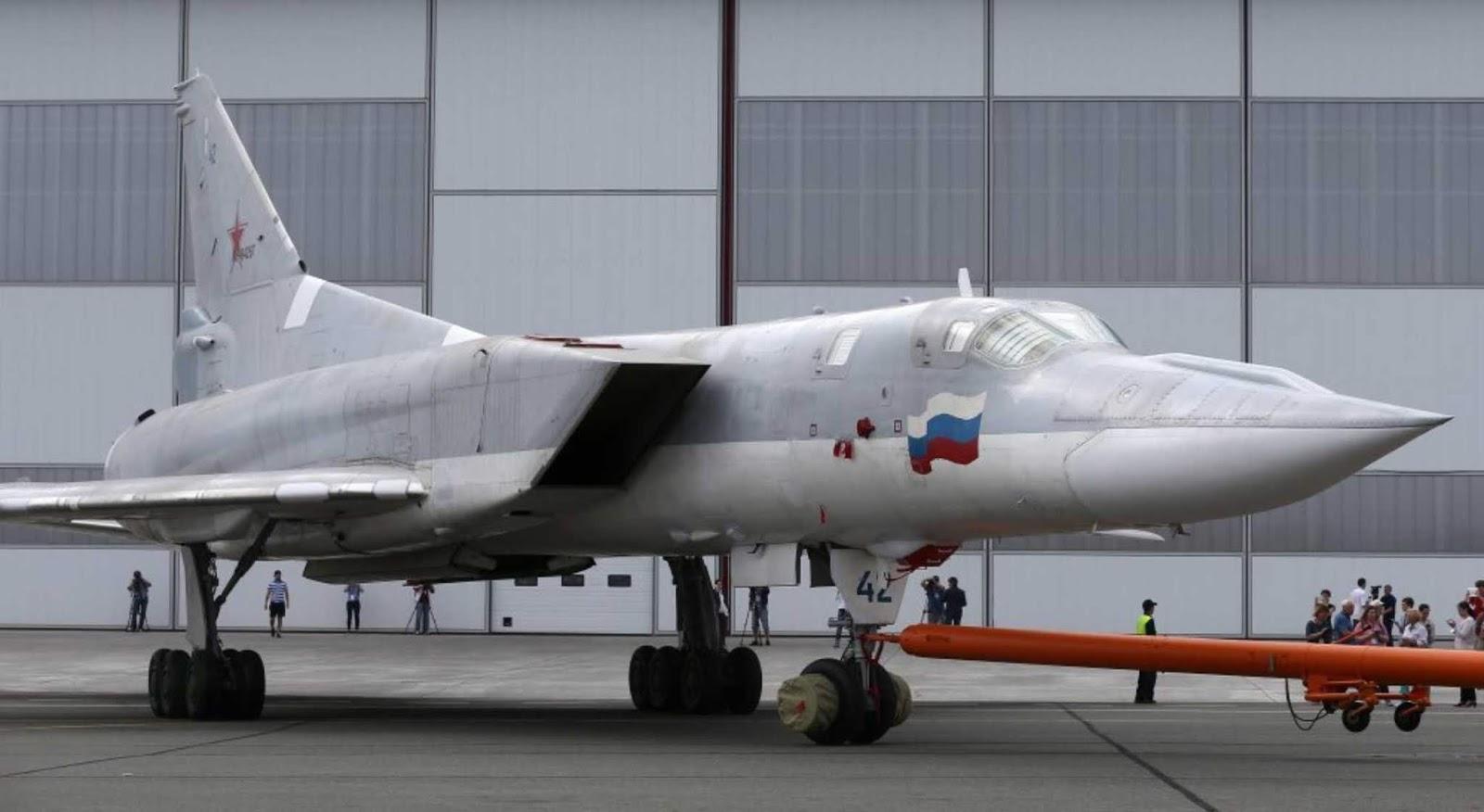 Uji Terbang Pembom Tu-22M3M di Undur Menjadi bulan November