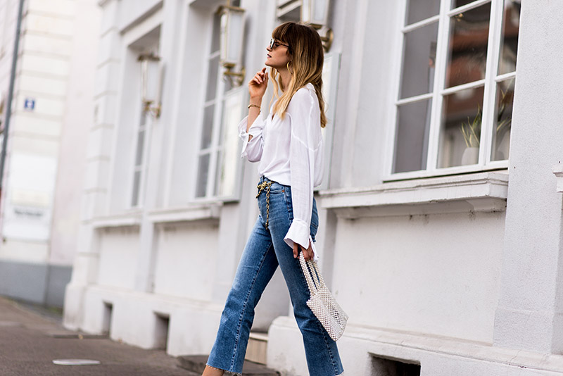 whowhatwear-fashionardenter-blogueuse-mode-summer-to-fall-look-wedge-espadrilles-white-blog-mode-francais-french-style-vintage