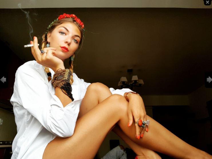 https://pvt.sexy/models/hbhq-katja-vanko/?click_hash=85d139ede911451.25793884&type=member