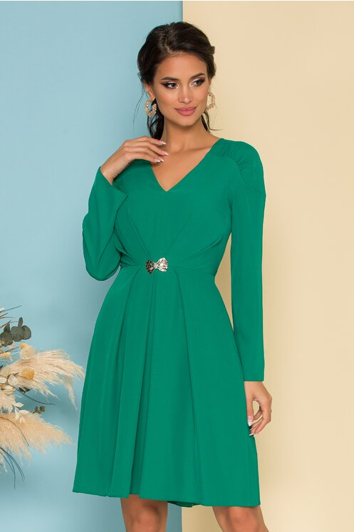 Rochie eleganta de femei plinute verde cu pliuri si accesoriu in talie