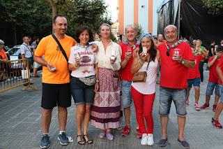 Ganadores del campeonato de lanzamiento de papel higiénico en las fiestas de Retuerto