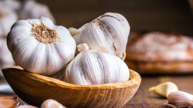 Cara Makan Bawang Putih Mentah