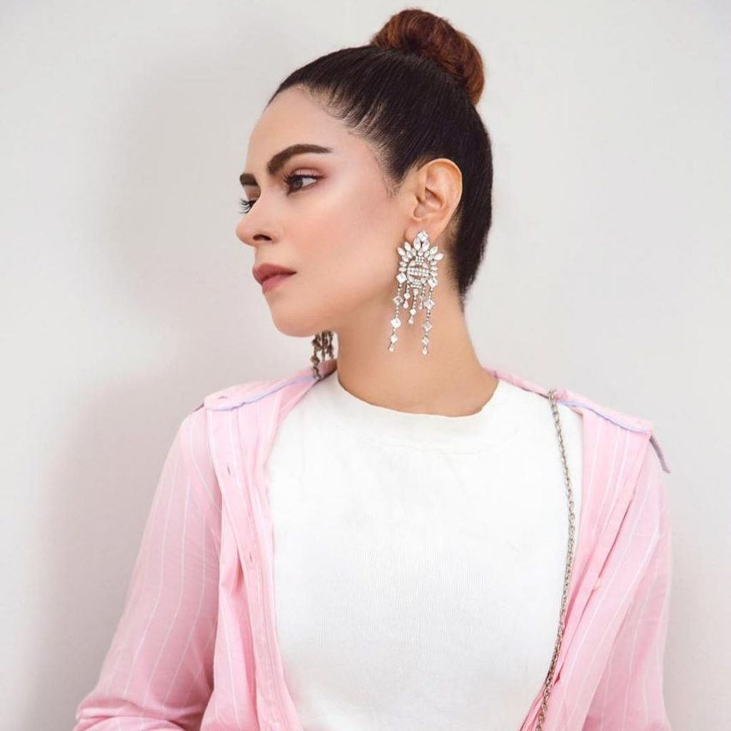 Actress and Film Writer Amar Khan New Stunning Pictures