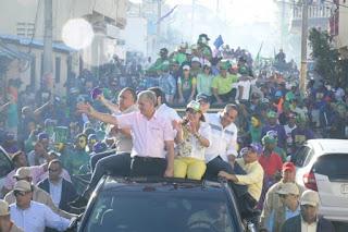 Encabezó una marcha caravana en apoyo a los candidatos a cargos municipales en Higüey; estará dedicado completamente a su pueblo para que continúe la prosperidad.