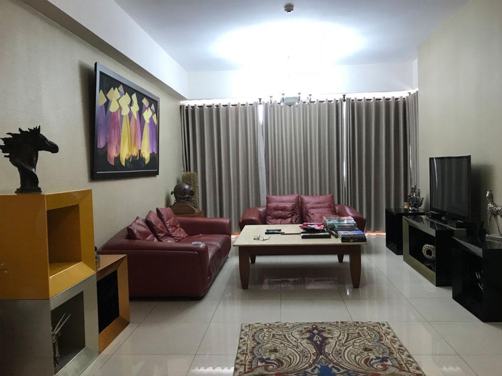 Không gian phòng khách của căn hộ Saigon Peal Ruby 2 cho thuê