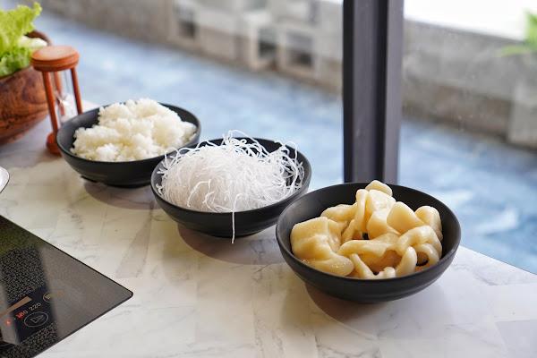 台南東區美食【花花世界鍋物】餐點介紹-附餐白飯、冬粉、手工麵疙瘩
