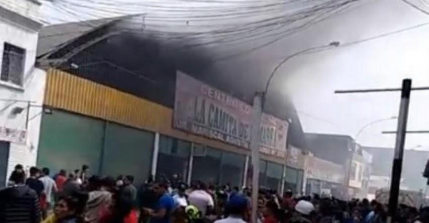 INCENDIO EN GAMARRA: Al menos ocho unidades del cuerpo de bomberos en el emporio comercial en La Victoria [VIDEO]