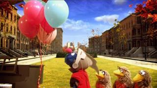 Super Grover 2.0 Pulleys, Nest Moving Day, super grover helps A robin family, A robin family cannot move their grand piano up to their new nest. Sesame Street Episode 4321 Lifting Snuffy season 43