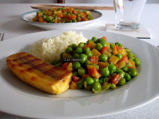 Arvejas frescas con verduras
