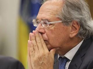 Secretários de Guedes pedem demissão após furo no teto de gastos