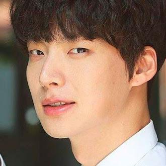 """""""Ahn Jae Hyun"""" 7 cosas que no sabías del famoso actor"""
