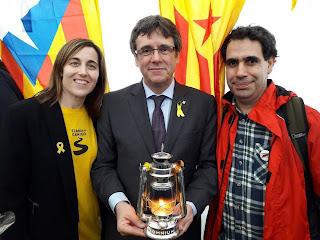 Cataluña, españa, puigdemont, expresidente, oficina, escolta