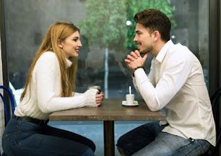 Ide Topik Pembicaraan Yang Menarik Bagi Wanita Saat Berkencan