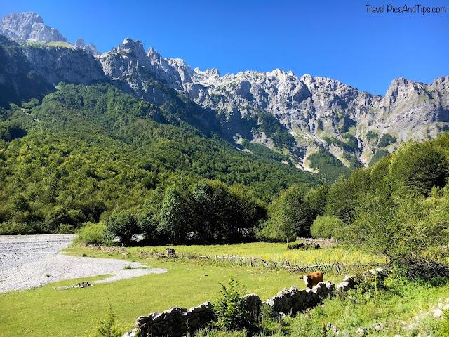Départ du trek de Valbona à Theth au nord de l'Albanie