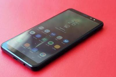 Review Layar Samsung Galaxy A8 Plus (2018)