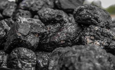طريقتان لصنع صابون الفحم المنشط في المنزل