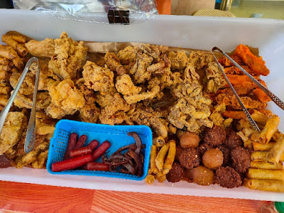 the food that you can buy at a Pungko-Pungko stall in Cebu