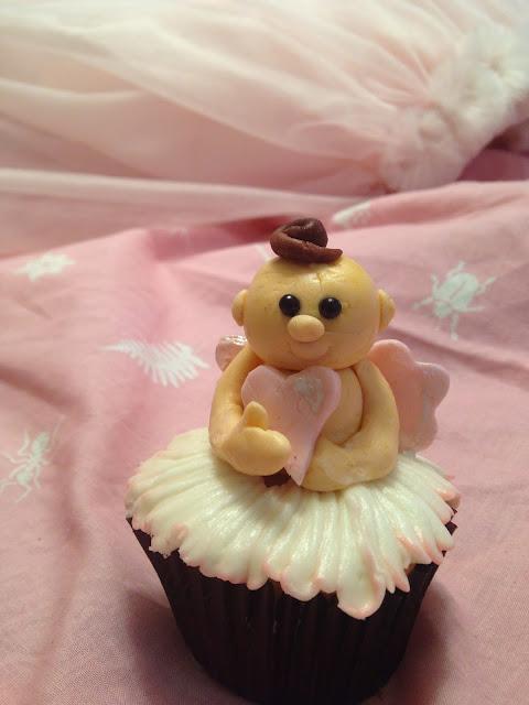 Cupid cupcake