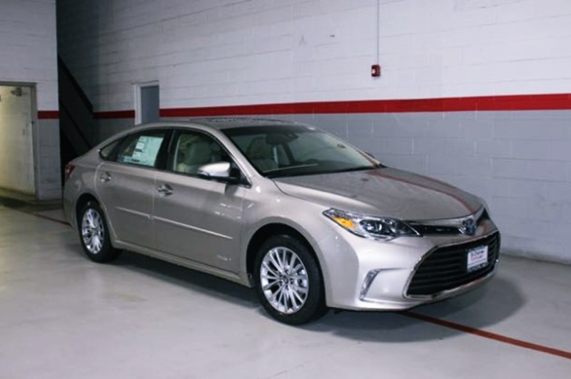 2018 Toyota Avalon Limited, Xle Premium and Xle Plus