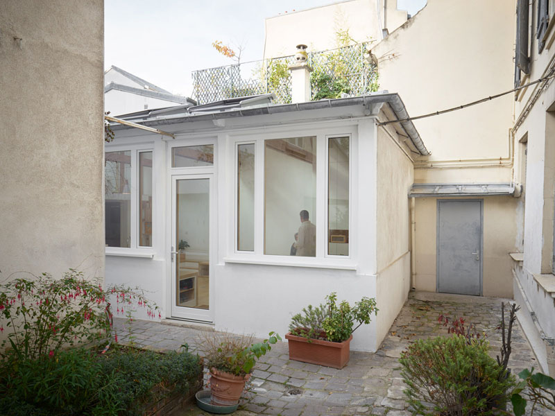 z This 1970s Studio Was Transformed Into A Bright And Open Small Home (Before & After) Interior