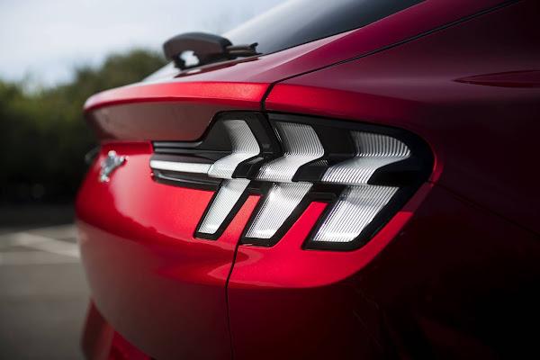 Ford diz que o Mustang é o carro esportivo mais vendido do mundo
