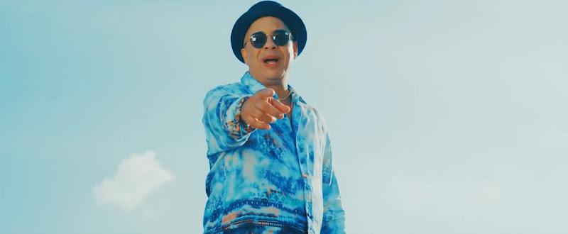 Issac Delgado Ft. Los Van Van - ¨Cubanos¨ - Videoclip - Dirección: José Rojas. Portal Del Vídeo Clip Cubano - 01