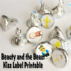Make some fun Beauty and the Beast kiss printables for your book club, birthday party, or favorite fan.  This free printable is great for Hershey kisses or Reeses candies and a good book.