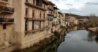 Río Matarraña a su paso por Valderrobres.