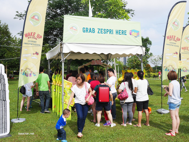Grab your Zespri SunGold Kiwifruit at the booths