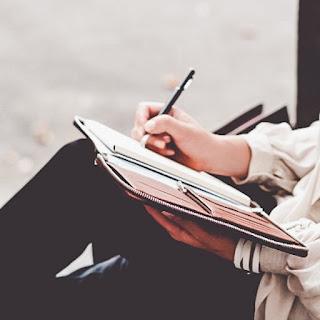 menulis sejak kecil
