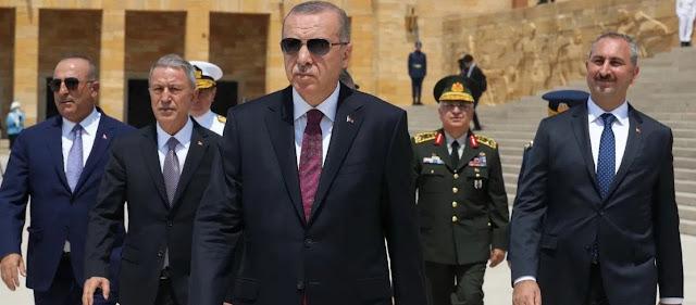 Figaro: Ο Ερντογάν θέλει να εξισλαμίσει όλη την Ευρώπη