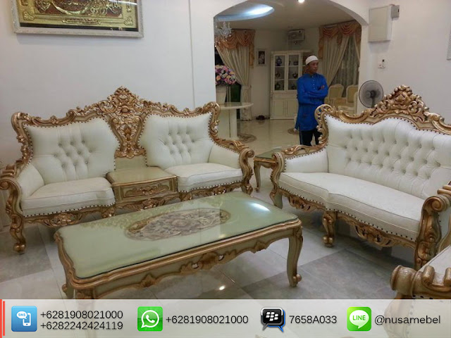 Rococo Sofa Set in Antique Gold Pasaribu