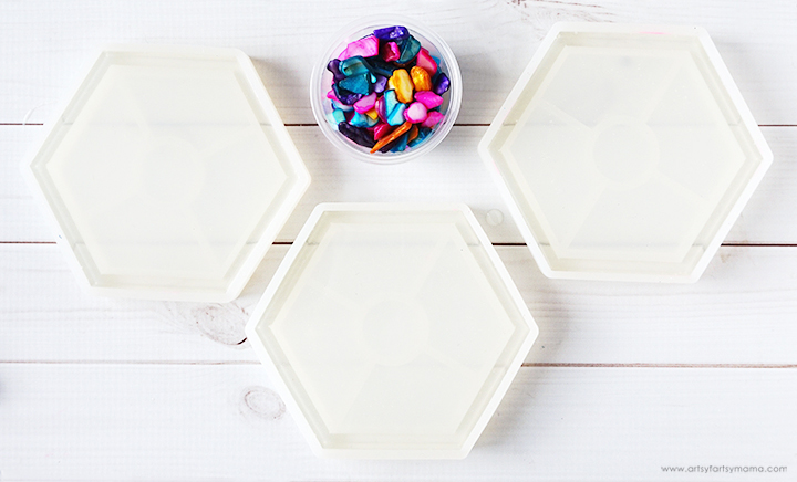 Mixed Resin in Coaster Molds